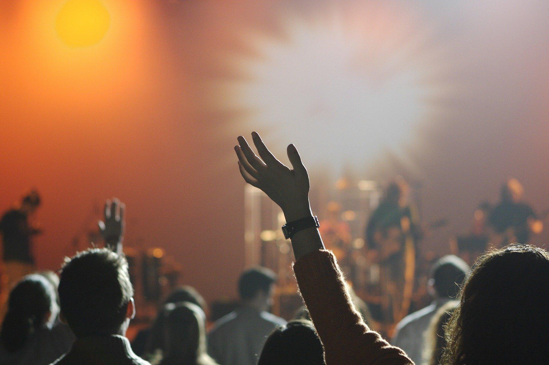 WHO zaktualizowała wytyczne dotyczące koncertów