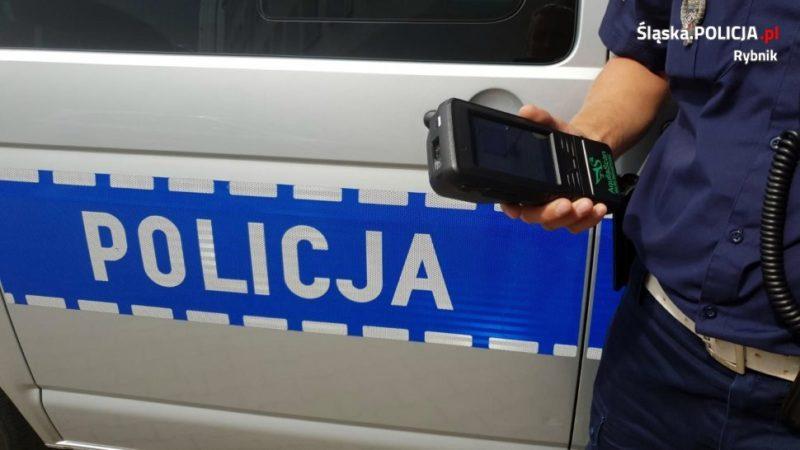 Policjanci z rybnickiej drogówki zatrzymali pijanego 61-latka